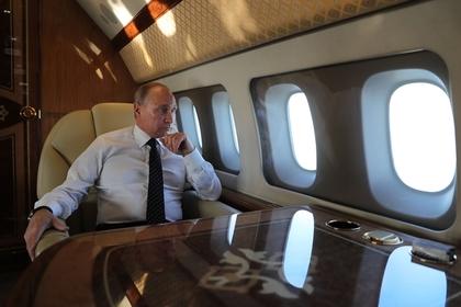 Школьник проник в самолет Путина