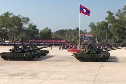 Отдавший России Т-34 Лаос получил «Белых орлов»
