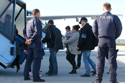 Германия выслала рекордное число мигрантов