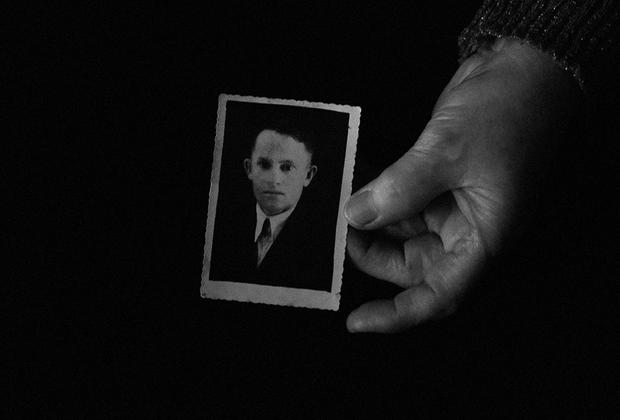 Отец Зинаиды Александровны, Александр Пименович, прослужил всю Блокаду водителем на Ладоге, ездил по льду, рискуя жизнью каждый день, по 4 раза туда и обратно, как многие мужчины в то время.