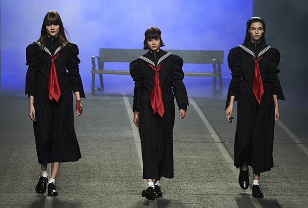 Самое известное обращение к теме сукебан на Западе —показ бренда Maria Ke Fisherman во время Мадридской недели моды в феврале 2016 года. Вся коллекция осень/зима 2016/2017 была посвящена японской культуре, но несколько моделей были одеты, как классические сукебан из 1960-х.