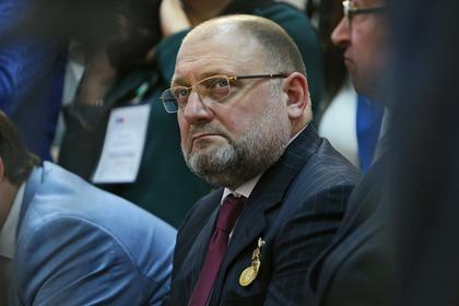 Чеченский министр объяснил слова о телевизионной рубрике с извинениями