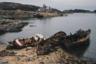 Заброшенные корабли: средний рыболовный траулер «Скала», шхуна «Диана» (экспедиционное судно Мурманского морского биологического института), малый рыболовный траулер «Минога» в бухте Оскара в поселке Дальние Зеленцы на Кольском полуострове.