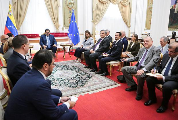Представители ЕС на встрече с Мадуро 18 января