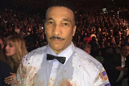 Перемазанный кровью боксеров судья обрел славу в сети