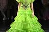 Зеленое платье от Виктора и Рольфа для раскрепощенных подружек невесты с широкими и смелыми взглядами.