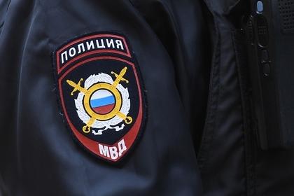 Пьяный российский полицейский избил инвалида из-за собаки без намордника
