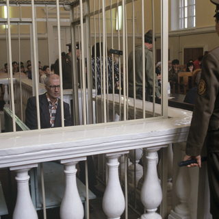 Андрей Чикатило в зале суда