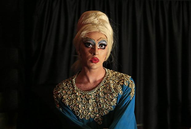 В Бейруте есть своя неделя «Прайд», посвященная борьбе за права ЛГБТ. В рамках недели проходит фестиваль дрэг-квин — мужчин, переодевающихся женщинами. На фото Эмма Грэйшн.