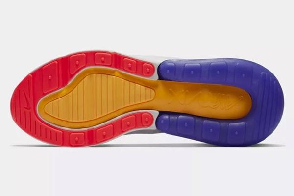 7920f304 Мусульмане ополчились на Nike за имя Аллаха на подошве: Явления: Ценности:  Lenta.ru