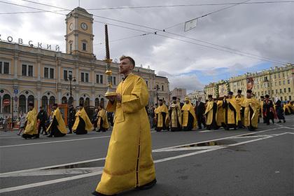 Российские чиновники заказали беседы о духовности за полмиллиона рублей