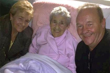 Ирландка всю жизнь искала родную мать и нашла ее в 73 года