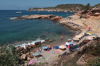 Полюбившие секс на пляже туристы испортили остров