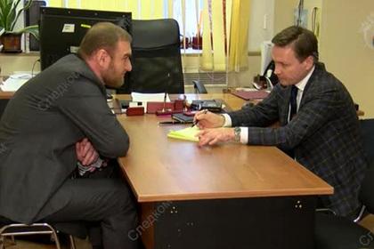 Разговор задержанного сенатора Арашукова с адвокатом попал на видео