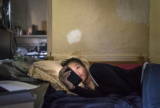 Только в 2018 году у Синди наконец появилась собственная постель. В детстве ей приходилось делить большую кровать с братьями, затем спать на двухэтажной койке.
