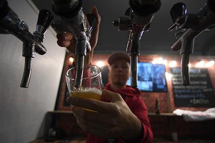 Россияне разлюбили пить пиво