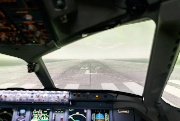 Смоделированный панорамный вид из кабины пилота.