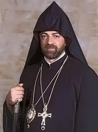 Одним из главных церковных бизнесменов и любителей роскоши в ААЦ называют архиепископа Араратского Навасарда Кчояна.