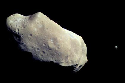 Объяснена неожиданная польза падений астероидов на Землю