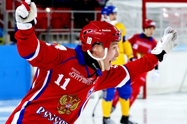 Сборная России по хоккею с мячом выиграла чемпионат мира