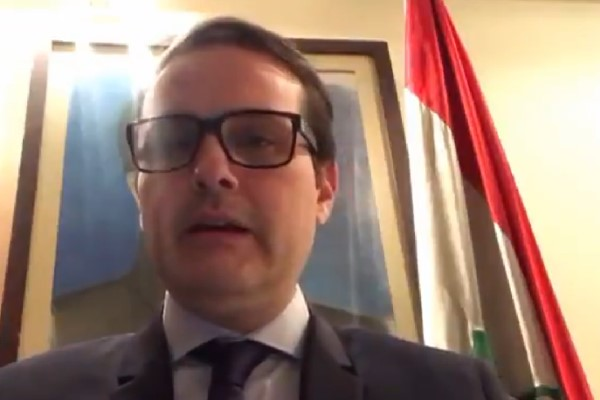 Еще один посол Венесуэлы отрекся от Мадуро