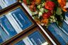 """Грамоты с благодарностью и знаки «Отличник """"Аэрофлота""""» для отважного экипажа рейса Сургут — Москва."""