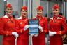 Стюардессы «Аэрофлота» в форменной одежде перед началом церемонии награждения.