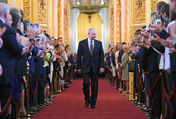 Избранный президент РФ Владимир Путин на церемонии инаугурации в Кремле
