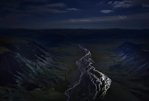 Река Саржематы, что течет через Алтайские горы, на фото россиянина Олега Кугаева.