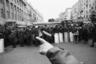 Март 1991 года. Ельцин переподчинил себе милицию и армию. Проходят митинги. Впервые в новейшей истории России главную улицу столицы перегородила милиция со щитами. «Жители СССР это увидели в первый раз, и люди разглядывали все это как на ВДНХ, как в музее», — говорит Мухин.