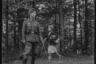 Солдат и местная жительница. Украина, 1941 год.