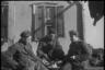 Немецкие солдаты обедают. Украина, 1941 год.