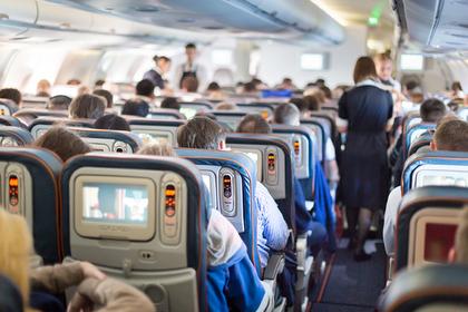 Раскрыты самые раздражающие поступки пассажиров в самолете