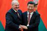 Президент Белоруссии Александр Лукашенко и председатель КНР Си Цзиньпин