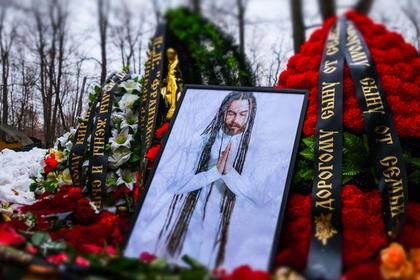 Продюсер «Ласкового мая» допустил отравление Децла