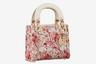 Самая, пожалуй, известная it-bag французского модного дома в гамме Дня влюбленных и с принтом жюи из актуальной круизной коллекции.