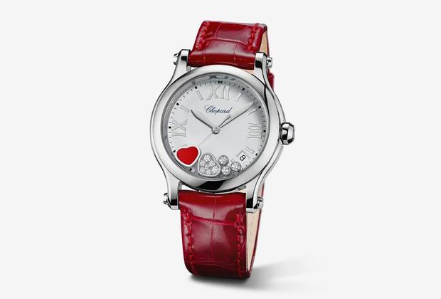 Знаковая модель с классическим дизайном циферблата и романтичным алым сердечком, «бьющимся» между двух стекол на циферблате.