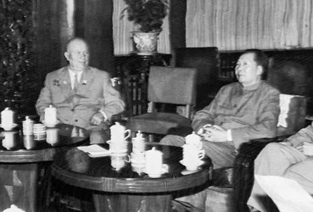 Никита Хрущев и Мао Цзэдун