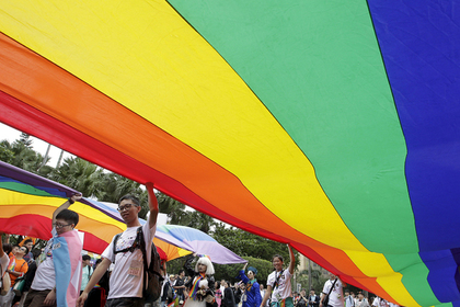 Японские геи впервые пошли в суд из-за запрета браков