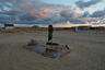 В Тастубеке люди по-прежнему живут без водопровода и магазинов. Воду привозят из ближайшего колхоза, а минералку и табак покупают в «предбаннике» одного рыбацкого дома. По меркам Арала Тастубек зажиточный поселок: здесь ловят рыбу и разводят верблюдов.