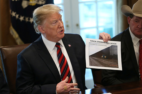 Трамп назвал дату начала строительства стены у границы с Мексикой