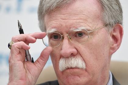США заявили о тайных переговорах венесуэльских генералов с оппозицией
