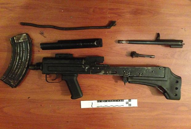 Оружие, изъятое следствием при обыске у киллера 29 декабря 2015 года