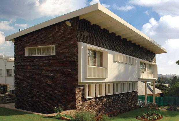 Особняк на Линксфилд-ридж в Йоханнесбурге, ЮАР. В нем Хаббард написал проект новой конституции африканской республики.