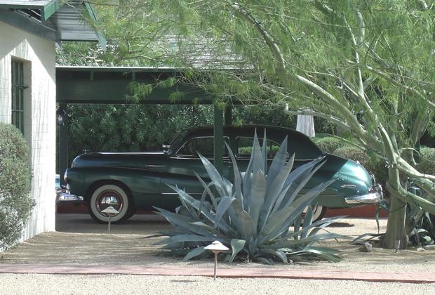 Buick Super 8 1948 года — автомобиль, которым Рон пользовался в Финиксе, Аризона.