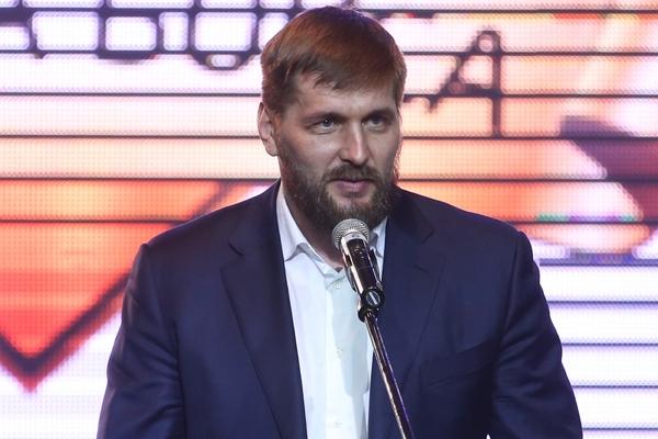Первое поражение в карьере российского бойца Минакова сочли абсурдом