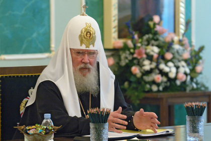 Эстонцы захотели наградить умершего 10 лет назад патриарха Алексия II