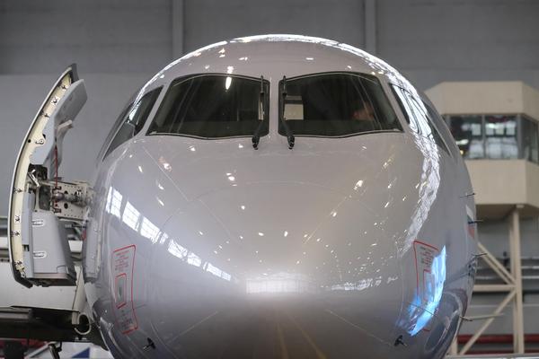 Sukhoi Superjet оправдался за европейский провал самолетов