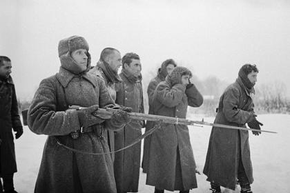 В России отреагировали на восхваляющую испанских добровольцев Гитлера статью