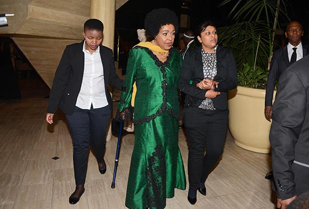 Винни Мадикизела-Мандела на праздновании своего 80-летия, ЮАР, 2016 год
